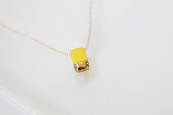 Porcelain and Gold Yellow Rectengular Necklace