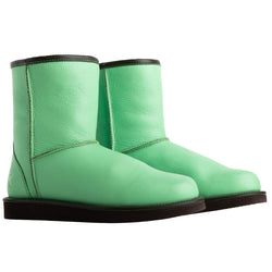 Keuzi leather boot with possum fur in colour spearmint green