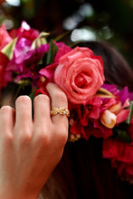 Load image into Gallery viewer, Kiele Roses ring