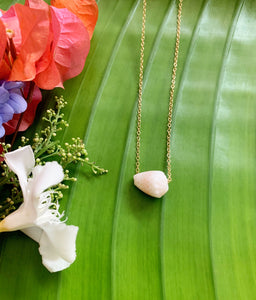 *ONLY ONE Hawaiian Cone Shell pendant necklace
