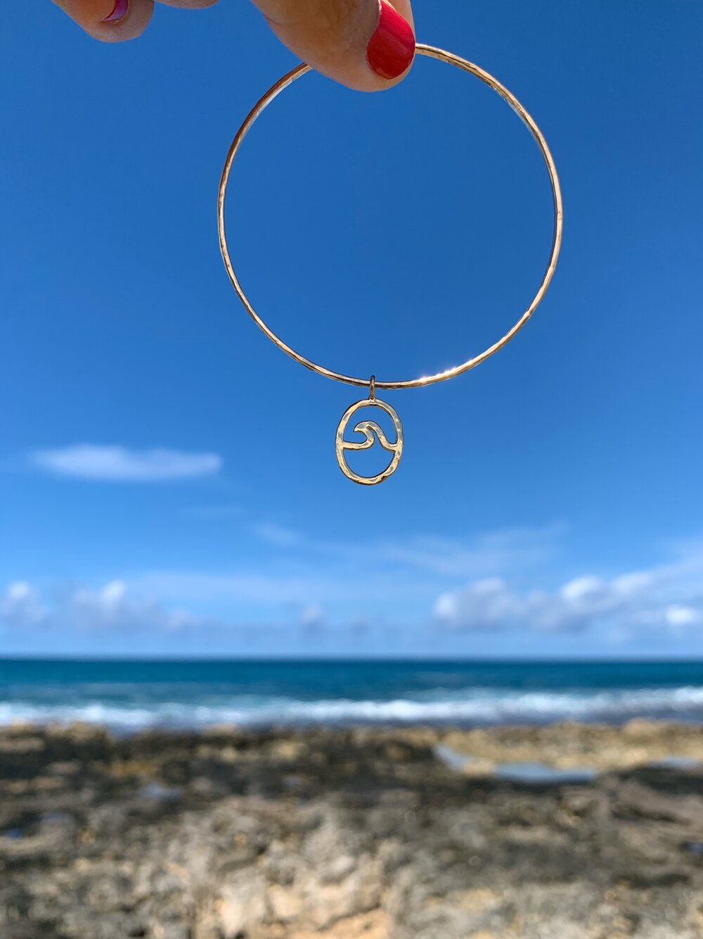Petite Peahi Wave bangle