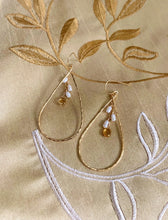 Load image into Gallery viewer, Amber Large Teardrop earrings