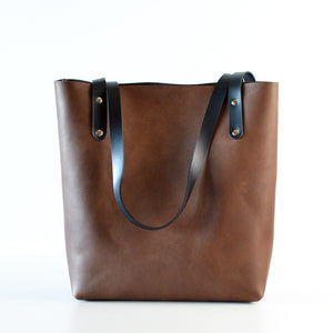 Medium Classic Tote - Chocolate Brown Leather