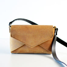 Load image into Gallery viewer, Envelope Bag - Honey Leather