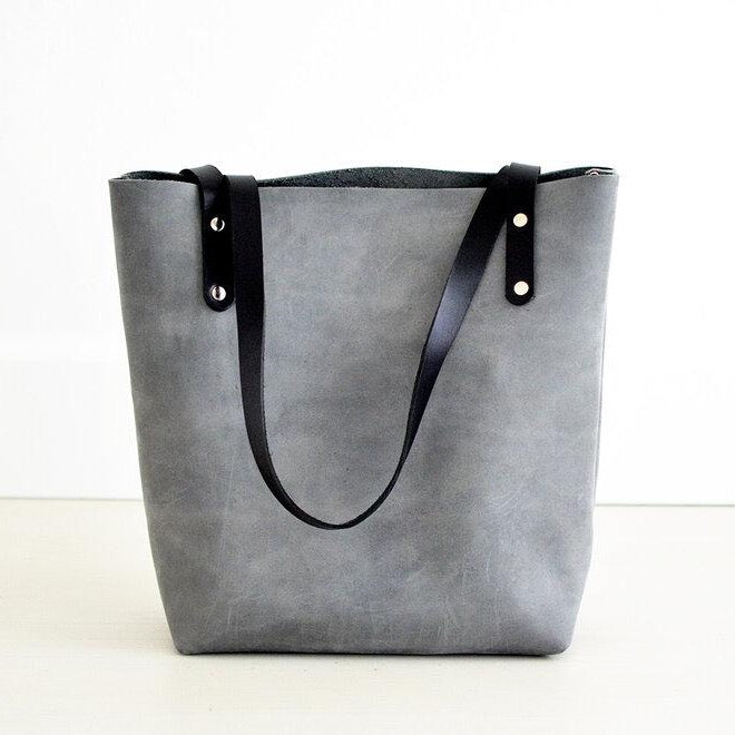 Medium Classic Tote - Grey Leather