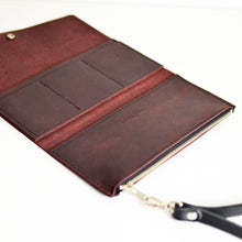 Load image into Gallery viewer, Wristlet Wallet Clutch - Merlot Leather