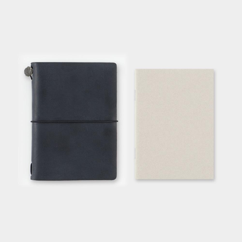 Traveler's Company - 014 Dot Grid Notebook Refill (Passport) - Kuva 5