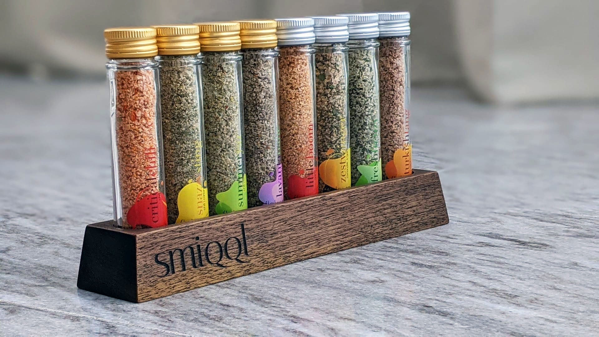 SMIQQL Stand for large Solo flaky salt bottles