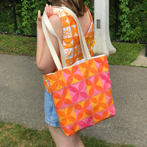 Shopping Tote in Sun and Shade