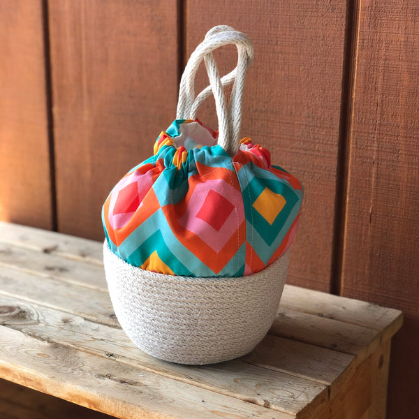 Picnic Basket Handbag in Mod Picnic