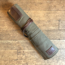 Ubi-IND Canvas Knife Roll Pine Green