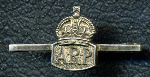 WW2, STERLING ARP Badge on Broach Bar