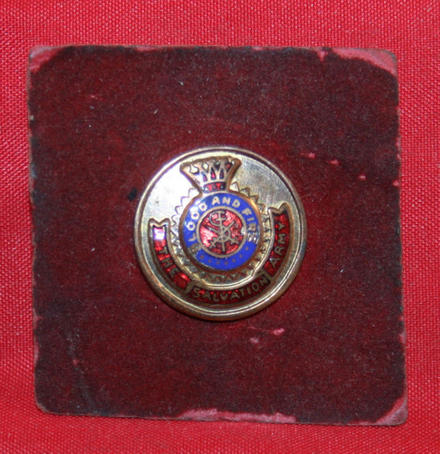 WW2 THE SALVATION ARMY Blood & Fire Members Pin