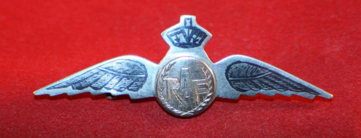 WW2, RAF PILOT'S Sweetheart Wing. Gold & Silver - Royal Air Force