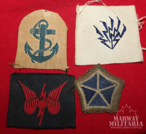 Lot of 4 cloth Insignia