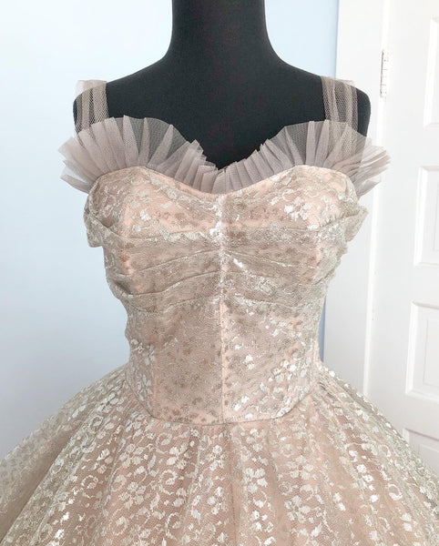 1950s European Metallic Silver Lurex Lace and Dove Grey Tulle over Ballet Slipper Pink Fairy Princess Party Dress