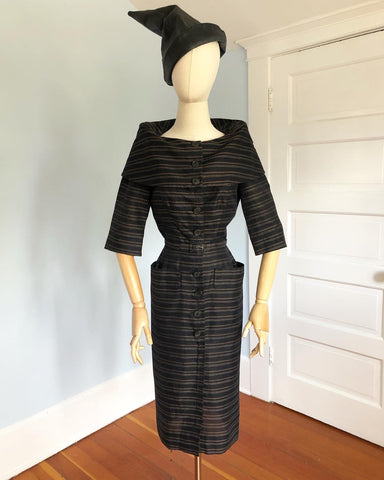 Chic 1950s Woven Striped Polished Cotton Wiggle Dress with Huge Fold Over Collar, 3D Hip Pockets & Belt
