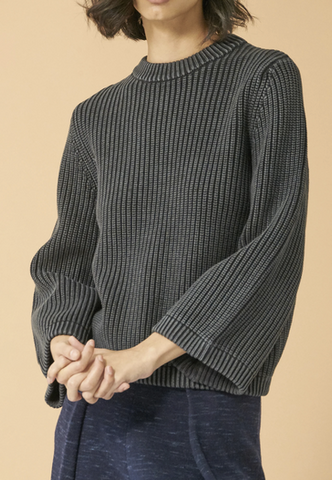 Alisson cotton crew neck sweater with wide sleeves in vintage black