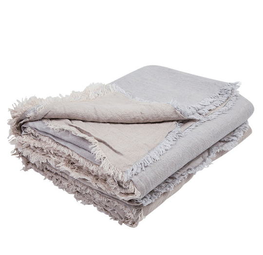 vice versa fringed washed linen throw Perle / Givre