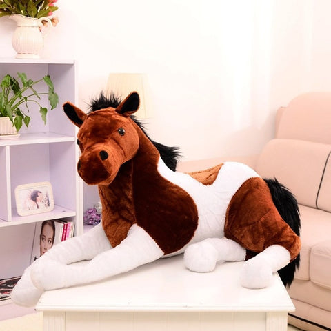peluche-cheval-allongé
