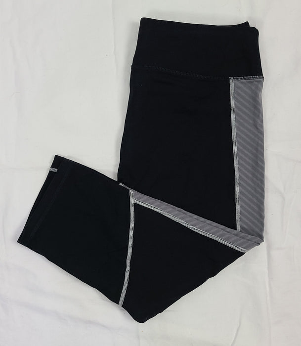 Tek Gear Shapewear black capri athletic leggings, size L