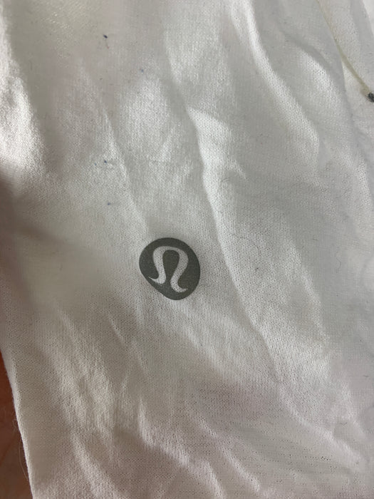lululemon woman athletic shirt size medium