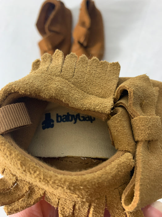 Bundle of 4 baby shoes