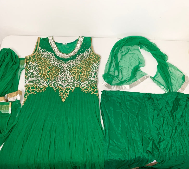 Bawree Indian Womans clothes size large/xl