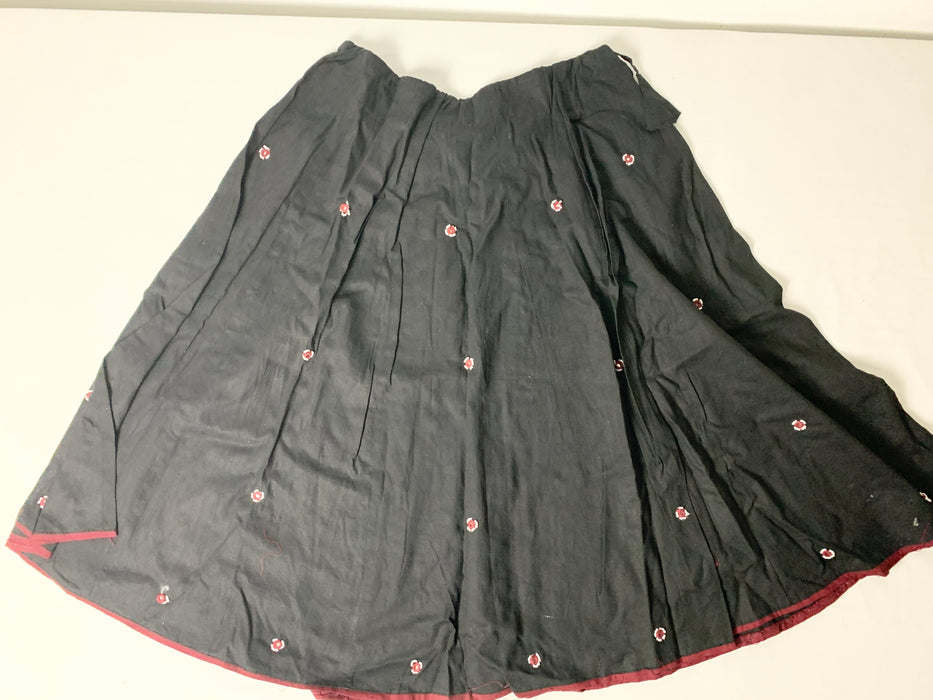Indian girls skirt, scarf and shirt size 5-6