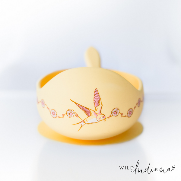Wild Indiana Anniversary Deer & Daisy Edition silicone bowl yellow