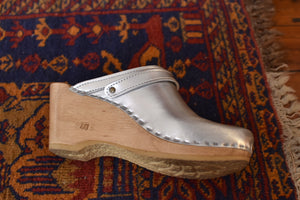 No. 6 | Silver Metallic Wedge Clogs | Size 40