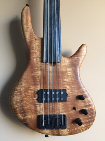 (SOLD) Roscoe Century Standard Plus 5-String Fretless Bass