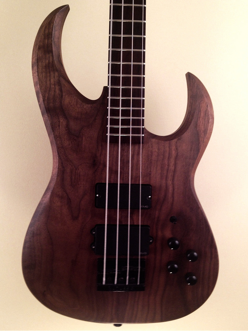(SOLD) Neal Moser Custom Templar Scimitar 4-String Bass (made in USA)