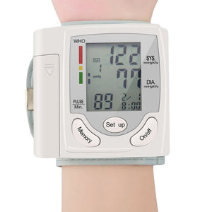 wrist blood pressure monitor easy to use