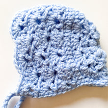 Load image into Gallery viewer, Newborn Bonnet - Apricot Style - Baby Blue