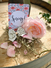 Load image into Gallery viewer, Spring Floral Flatlay Cards