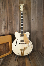 Load image into Gallery viewer, Gretsch White Falcon Model 7595 1976