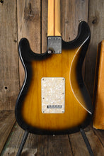 Load image into Gallery viewer, Fender Stratocaster Buddy Guy 2005 Near Mint Sunburst