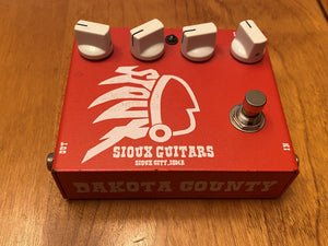 SOLD - Sioux Guitars Dakota County delay pedal first edition #33 Red