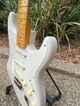 Load image into Gallery viewer, Fender Stratocaster 1957 Journeyman Relic 2016 - SOLD