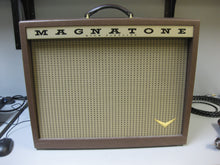 "Load image into Gallery viewer, SOLD - Magnatone Twilighter 1x12"" guitar combo amp"
