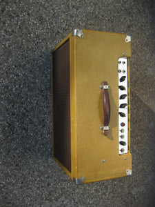 Fender Tweed Super 5F4 Amp Chassis 1959 in aftermarket cabinet