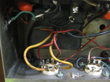 Load image into Gallery viewer, Fender Tweed Super 5F4 Amp Chassis 1959 in aftermarket cabinet