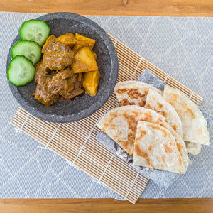 Rendang Curry and Roti Paratha (印度麵包與仁擋咖哩)