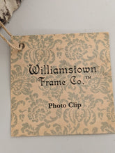 Load image into Gallery viewer, Williamstown - Ducks Photo Frame Clip