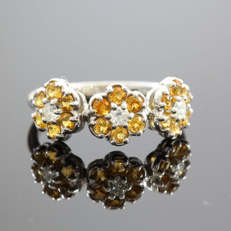 18k White Gold 3 Flower Citrines Ring