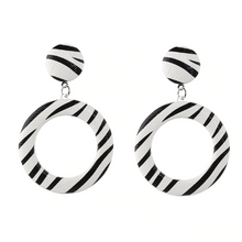 Load image into Gallery viewer, Stripe Earrings