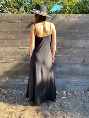 Deer Creek Dress in Black Linen