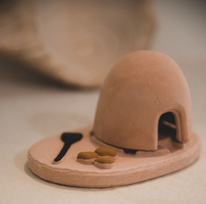 The Incense of the West Horno with Natural Wood Incense Holder