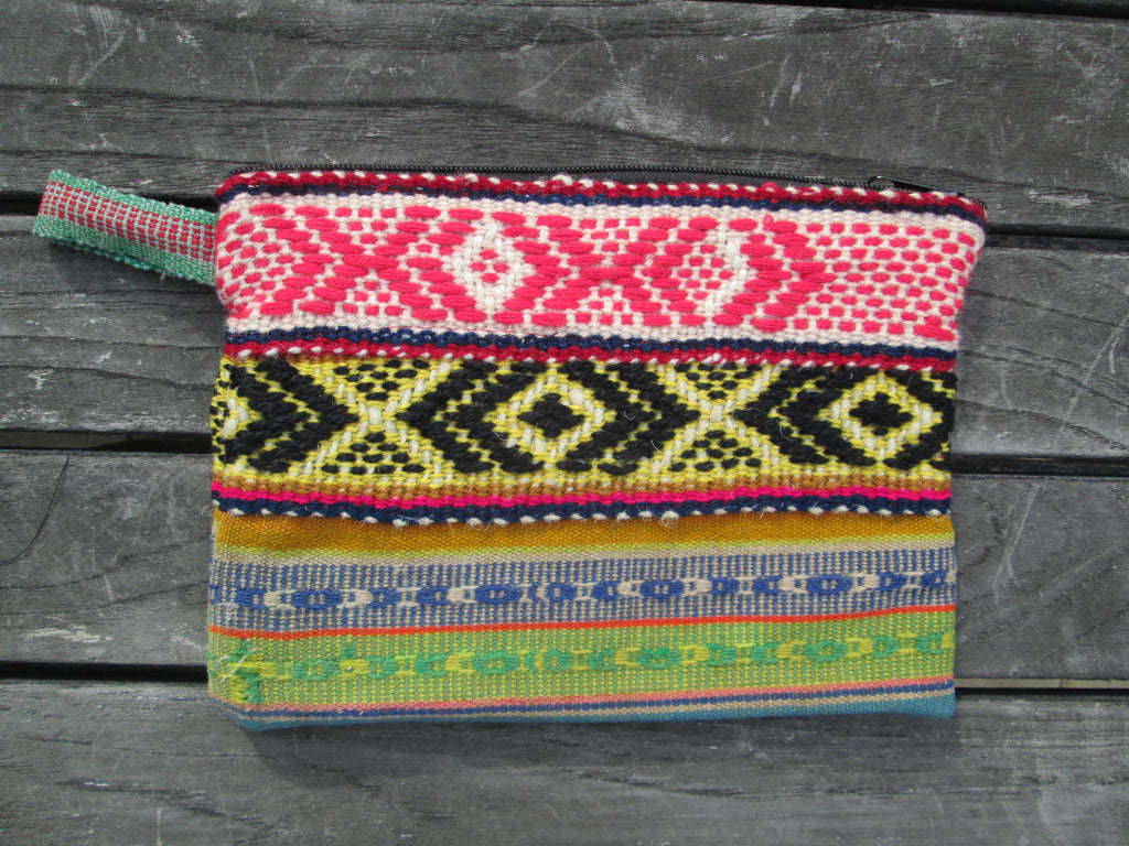 Peruvian Clutch in Hechizo